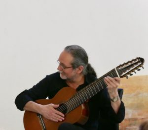 Bild von Jürgen Schwenkglenks mit Gitarre